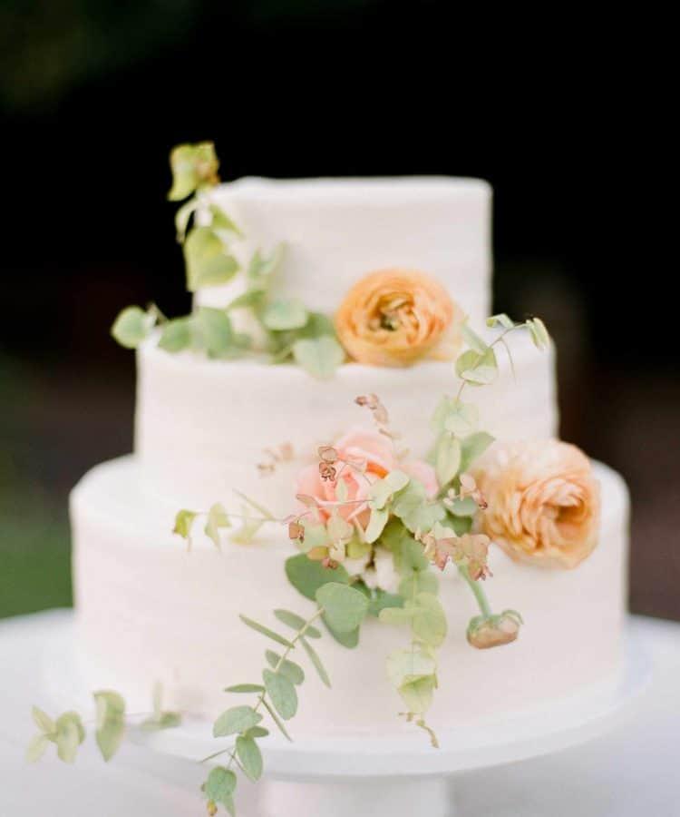 A Traditional Wedding Cake